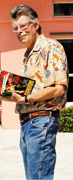 Stephen King: novelist, actor, screenwriter, television producer, and columnist. Stephen King Movies, Steven King, Non Plus Ultra, Film Blade Runner, The Dark Tower, French Films, Indie Movies, The Shining, King Of Kings