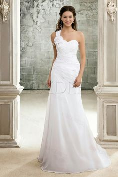Wedding dress low cost - Travel and Fashion Tips by Anna P.