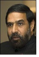 Will Anand Sharma bail out Indian textile sector today? - Textile News India at Textile News, Bail Out, Textile Industry, Indian Textiles, News India, People, People Illustration, Folk
