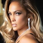 Carrie Underwood (@carrieunderwood) • Instagram photos and videos Emrata Instagram, Famous Songwriters, Emily Ratajkowski Style, At Home Hair Color, Carrie Underwood, Dressy Outfits, Jennifer Lopez, Videos, Photo And Video