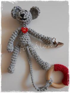 Cumiőrző egérke, Baba-mama-gyerek, Játék, Játékfigura, Meska Baba, Crochet Baby, Crochet Necklace, Christmas Ornaments, Holiday Decor, Diy, Products, Crochet Collar, Bricolage