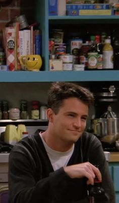 Serie Friends, Friends Cast, Friends Moments, Friends Tv Show, Friends Forever, Matthew Perry, Chandler Bing, Best Tv Shows, Best Shows Ever