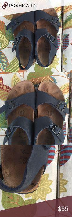"""Birkenstock """"birki's"""" sandals women's size 37 Birkenstock women's sandals size 37 (L6 M4) great used condition. Slight spot on heel of sandal as shown in 3rd picture. Could probably be removed with proper stain treatment. Birkenstock Shoes Sandals"""