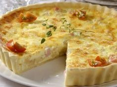 Quiche of palm heart and turkey breast Quiches, Quiche Lorraine, Savory Tart, Portuguese Recipes, Love Food, Food Porn, Food And Drink, Cooking Recipes, Yummy Food