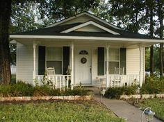 Charming cottage at Pomegranate House & Cottages in Granbury, TX