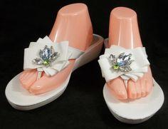 Vera Wang Flip Flops White Wedge Heel Thongs Sandals Shoes Womens 10.5 M…