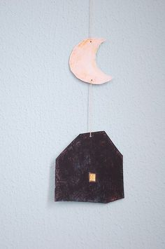 house and moon – Diy Garland 2020 Diy Pompon, Mobiles, Diy Crafts For Kids, Arts And Crafts, Diy Paper, Paper Crafts, Craft Projects, Projects To Try, Idee Diy