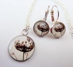 Schönes Schmuckset in silber mit Halskette und von Schmucktruhe, €25.00