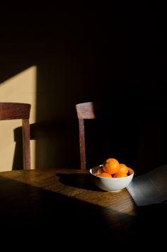 clementines in light