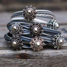 bling wash living with landyn Boho Jewelry, Beaded Jewelry, Jewelery, Fasion, Gypsy Living, Costume Jewelry, Blue Denim, Look, Bohemian Gypsy