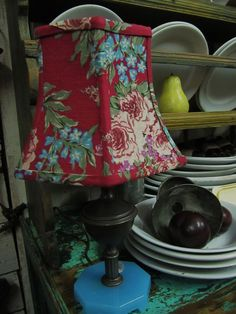 I love the idea of customizing some of my BORING lamp shades when we get in our new house! Diy Furniture Projects, Fun Projects, Make A Lampshade, Vintage Lamps, Drum Shade, Lamp Shades, Design Elements, Glow, Lights