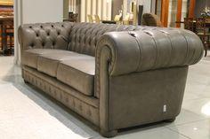 Amadeus è un #comodo #divano con il #pouf separabile, dal ...