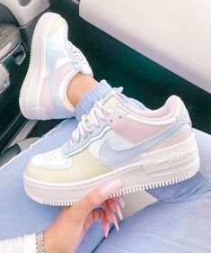 Dr Shoes, Cute Nike Shoes, Swag Shoes, Cute Nikes, Cute Sneakers, Hype Shoes, Sneakers Nike, Shoes Cool, Sneakers Style