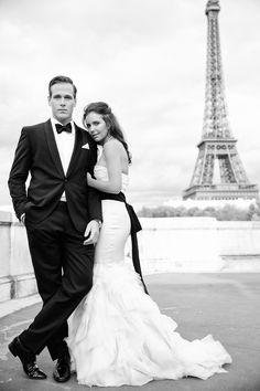 Paris elopement. One and Only Paris Photography  Read more - http://www.stylemepretty.com/destination-weddings/2013/08/15/chic-paris-elopement-from-one-and-only-paris-photography/