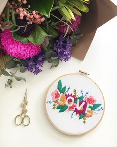 LOVE...when the hubbs brings me flowers. They make such pretty props too 😜🌸💕 You can grab yourself a Digital PDF of this design in our uoamsau eeiqoh shop so you can get busy and get yo' stitch on!