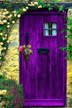 STYLEeGRACE ❤'s this purple door!