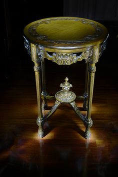 Beautiful antique_table