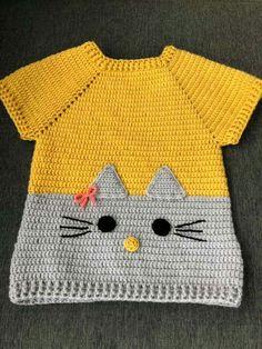 Tee or sweatshirt inspiration .-T-Stück oder Sweatshirtinspiration… Knöpfe u. Applikation Tee or sweatshirt inspiration … buttons & buttons. application Tee or sweatshirt inspiration … buttons & buttons. Crochet Dress Girl, Crochet Baby Cardigan, Baby Girl Crochet, Crochet Baby Clothes, Knit Crochet, Knitting For Kids, Crochet For Kids, Pull Bebe, Baby Girl Sweaters