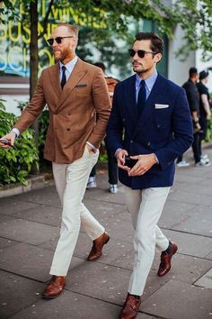 Two Classic Double Breasted Suits, and both with White Trousers, Brown Shoes. - Gökhan Çamur - - Two Classic Double Breasted Suits, and both with White Trousers, Brown Shoes. Mens Fashion Blog, Mens Fashion Suits, Mens Suits Style, Fashion Vest, Fashion Styles, Fashion Boots, Womens Fashion, Mode Masculine, Stylish Men