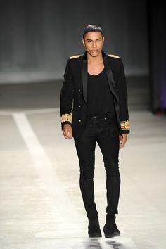 Olivier Rousteing wearing Balmain Balmain x H New Mens Fashion, Next Fashion, Grey Fashion, Urban Fashion, Fashion Outfits, Shows In Nyc, Olivier Rousteing, Evolution Of Fashion, Mens Trends