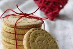 gluténmentes linzer recept Minion, Cookies, Desserts, Food, Crack Crackers, Tailgate Desserts, Deserts, Biscuits, Essen