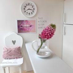 Pretty Little Minis - modern dollhouse furniture and decor for sale Modern Dollhouse Furniture, Diy Furniture, Diy Dollhouse, Dollhouse Miniatures, White Clocks, Dollhouse Accessories, Modern Wall Decor, Miniature Fairy Gardens, Pretty Little