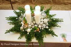 Blomster Design, Annette von Einem Christmas Advent Wreath, Magical Christmas, Gold Christmas, Holiday Wreaths, Beautiful Christmas, All Things Christmas, Christmas Crafts, Yule Decorations, Indoor Christmas Decorations