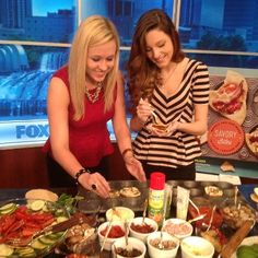 @LindsayHayhurst and @LinseyDuca from Oviedo High School helping Hollis Wilder prepare a Potluxe Dinner™ pizza party on My Fox Orlando set.