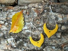 ⸙⸙⸙ Beautiful micro macrame earrings, will add an original touch to your clothes.⸙⸙⸙ These earrings are handmade with waxed cotton, a natural material, very light and waterproof. The findings are nickel free to minimize allergies. Description : ⸖⸖ Size : 5.5 cm (2.2) high (without the hook) / 3 cm (1.2) wide ⸖⸖ Materials : waxed cotton (polyester for the coral one), metal ⸖⸖ Colours : Yellow or Purple or Coral ⸖⸖ Findings : silver coloured metal hook  I craft everything you can find here...