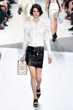Paris Fashion Week FW 2015-2016 Vuitton #Paris #catwalk #silkgiftmilan #fashion