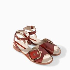 Image 2 of FLAT LEATHER SANDAL WITH BUCKLE from Zara
