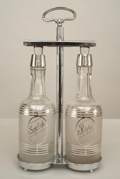 Art Deco American accessories decanter chrome