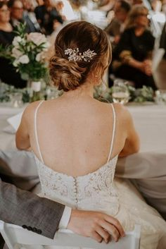 The ladies from Avenue Beauty sit down to share their fave trendsof the weddings season and answer bride's burning questions!