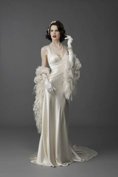 ♛ Old Hollywood Glamour. White stole. A modern one would be so ...