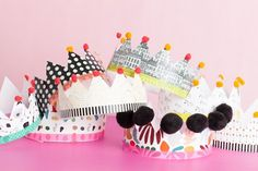 Crowns and tiaras are perfect for fancy dress and birthday parties. Check out our list of 40 DIY crown and tiaras that you can create for your next party. Diy Arts And Crafts, Fun Crafts, Card Crafts, Diy Birthday, Birthday Parties, Diy For Kids, Crafts For Kids, Couronne Diy, Paper Crowns