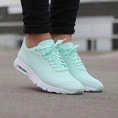 NIKE AIR MAX 1 ULTRA MOIRE WOMEN'S RUNNING TRAINING SHOES FIBER GLASS SIZE 11 #Nike #RunningCrossTraining