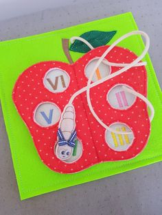 6X6 & 8X8 APPLE & WORM ITH QUIET BOOK PAGE