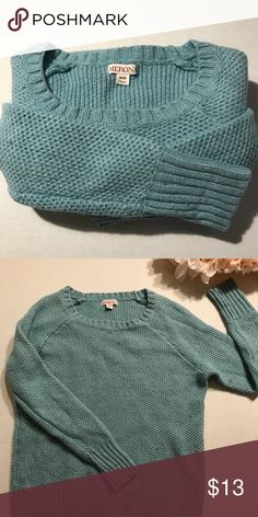 🎉 SALE🎉 Turquoise Crew Neck Sweater Size Medium Beautiful turquoise knit sweater, gently worn and in good condition. It's a fitted medium and hits at my hips on a 5'6 130 pound figure. Acrylic blend material. Sweaters Crew & Scoop Necks