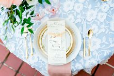 Spring Micro Wedding Inspiration | Photography by Spring Wedding Centerpieces, Spring Weddings, Bright Spring, Spring Colors, Elegant Wedding, Wedding Reception, Wedding Table Place Settings, The Giant Peach, Elopements