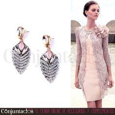 Vas a ser la #invitadaperfecta con los #pendientes Kala ★ Precio: 13,95 € en http://www.conjuntados.com/es/pendientes/pendientes-largos/pendientes-de-strass-kala.html ★ #novedades #earrings #conjuntados #conjuntada #joyitas #jewelry #bisutería #bijoux #accesorios #complementos #moda #fashion #fashionadicct #picoftheday #outfit #estilo #style #GustosParaTodas #ParaTodosLosGustos