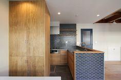 KITCHEN/counter/tile/pantry/tile/キッチン/タイル/パントリー/カウンター/収納/食器棚/フィールドガレージ/リノベーション/FieldGarage INC. Divider, Living Room, Interior, Kitchen, Furniture, Home Decor, Cuisine, Indoor, Kitchens