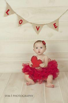 Inspiration For New Born Baby Photography : Valentine's Day Photo Shoot… – Photography Magazine Valentine Mini Session, Valentine Picture, Valentines Day Baby, Valentines Day Pictures, Valentine Pics, Holiday Pictures, Holiday Photography, Baby Girl Photography, Newborn Pictures