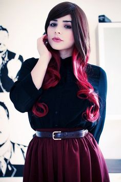 Red ombre hair, this looks so pretty Teen Hairstyles, Pretty Hairstyles, Haircuts, Red Hair Tips, Hair Colorful, Cheveux Ternes, Red Ombre Hair, Latest Hair Color, All Jeans