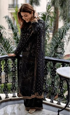 Anushka Sharma In Sabyasachi Mukherjee Black Badla Suit. Dress Indian Style, Indian Fashion Dresses, Indian Designer Outfits, Fashion Outfits, Dress Fashion, Fashion Ideas, Pakistani Dress Design, Pakistani Outfits, Indian Wedding Outfits