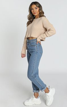 Basic Outfits, Cute Casual Outfits, Cropped Jumper Outfit, Knitted Jumper Outfit, Winter Fashion Outfits, Fall Outfits, Poses Modelo, College Outfits, Aesthetic Clothes