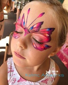 Butterfly face paint design Butterfly face paint design Butterfly face p… – Mascerade/Schminken/facecolour – epaint Adult Face Painting, Face Painting Tips, Face Painting Designs, Body Painting, Face Paintings, Painting Tutorials, Butterfly Face Paint, Butterfly Makeup, Butterfly Costume