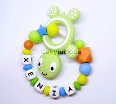Greifling01911 Xenia, Baby, Green And Orange, Vibrant Colors, Beads, Handarbeit, Nice Asses, Baby Humor, Infant