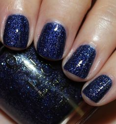 OPI DS Granite is a new mini-collection featuring two new Designer Series shades. This is 'Lapis' a sand-polish with a topcoat