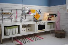 Play kitchen made with ikea items jeux cuisine, deco ameublement, cuisinett Diy Play Kitchen, Ikea Hack Kitchen, Play Kitchens, Long Kitchen, Diy Kallax, Ikea Regal, Kid Spaces, House Rooms, Kids Furniture