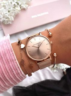Rose Gold Beauty Minimalist Bracelet and Wrist Watch Set Gold Watches Women, Trendy Watches, Rose Gold Watches, Cool Watches, Woman Watches, Mvmt Watches, Latest Watches, Cheap Watches, Luxury Watches